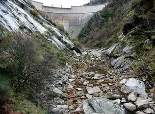 Unha das fotos do fondo da presa do Eume que se presentaron na denuncia inicial AEMS - Ríos con vida