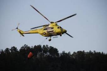 Helicóptero de extinción de incendios forestais