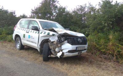 Un agente medioambiental herido en Cualedro tras una colisión con un vehículo de la UME