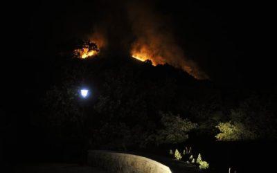 Esclarecen tres pequenos incendios forestais ocorridos en Toén, Maceda e Santiago