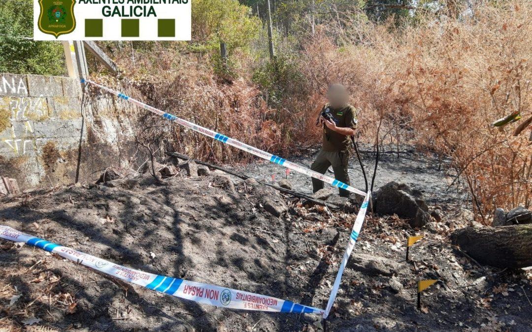 Una negligencia en una hoguera, posible causa de un incendio forestal en Porto do Son (A Coruña)